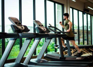 Skuteczne ćwiczenia na rozwój tricepsu